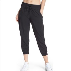 Zella | Out & About Crop Joggers